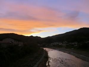 小本川の秋の夕暮れ